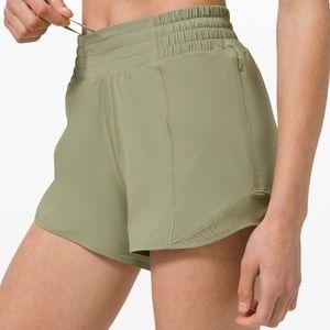 NWT Lululemon HIGH-RISE Hotty Hot Shorts L…